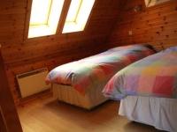 7_chalet_bedroom2.jpg