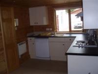 chalet kitchen.JPG